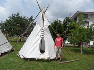 indianerzelt teepee tipi mieten bei rentinorio. Black Bedroom Furniture Sets. Home Design Ideas